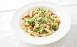 General Mills' Good Table Entrees Made Easy Gemelli Pasta with Creamy Garlic Sauce