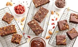 Mocha Goji-Almond Crunch Bars