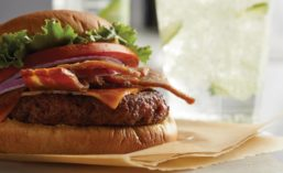 Plant-based Bac'n Cheeseburger