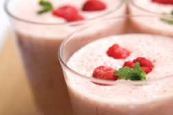 smoothie, yogurt powder in smoothie
